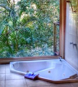 romantic escapes - brisbane - eco-resort private spa bath