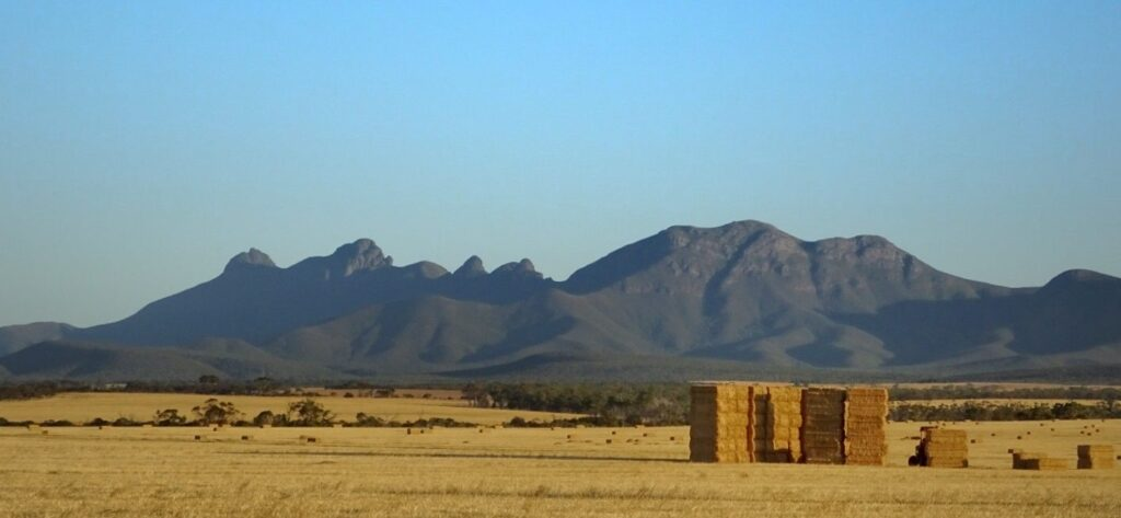 Stirling Ranges to Climb Bluff Knoll 01