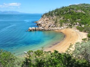 Things to do Magnetic Island day trip Arthur Bay Lookout