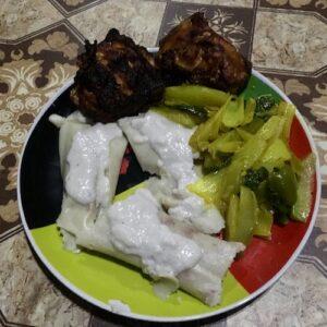 Top things to do in vanuatu - eat lap lap