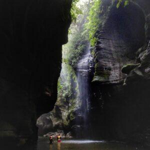 What to do in Vanuatu - Millenium Cave trek Santo