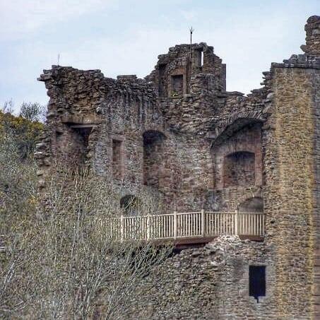 Castle Lochness WE to scotland